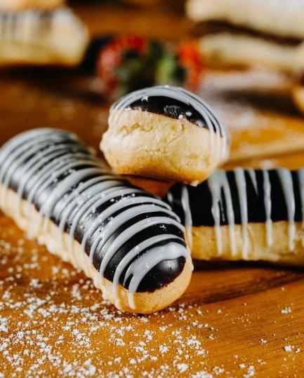Vivre Catering Food Chocolate Eclair